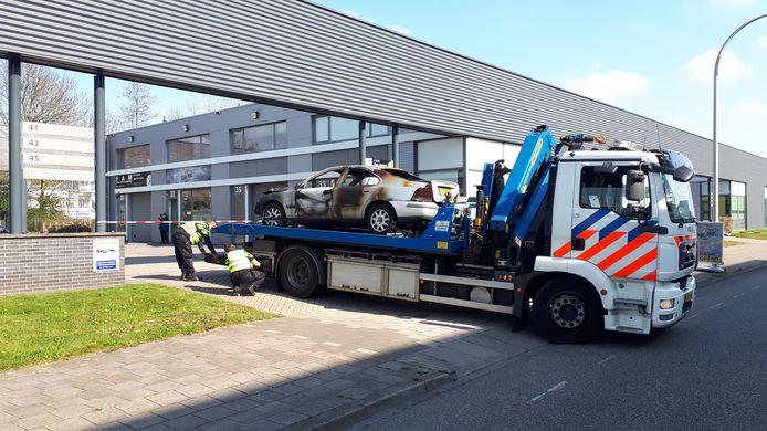 Bij een beschieting van en explosie bij restaurant Chip Sigi aan de Laan van Haamstede werd in de nacht van zaterdag op zondag behalve de gevel ook een auto zwaar beschadigd. Een andere auto werd een eindje verderop brandend aangetroffen.