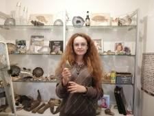 Melissa (14) vindt 4 miljoen jaar oude haaientand: 'Ik dacht wow, oké, dit is wel echt heel cool'