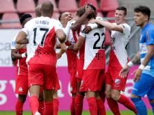 FC Utrecht wervelt na rust voorbij PEC en behoudt perfecte score