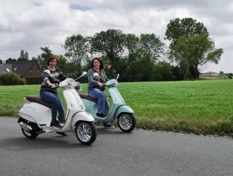 """Oostrozebeekse koppels starten met verhuur van Vespa's: """"Ideaal om de streek mee te verkennen"""""""
