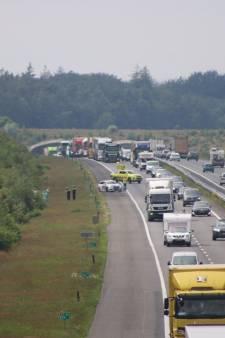 A1 bij Deventer ook in de avondspits potdicht, ongeval tussen Amersfoort en Apeldoorn zorgt ook voor file