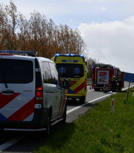 Flinke file op N36 na ongeluk bij Aadorp, bestuurder gewond