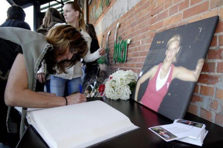 Familie en vrienden organiseerden enkele dagen na de feiten een stille mars voor slachtoffer Priscilla Nuyts (25). Beeld UNKNOWN