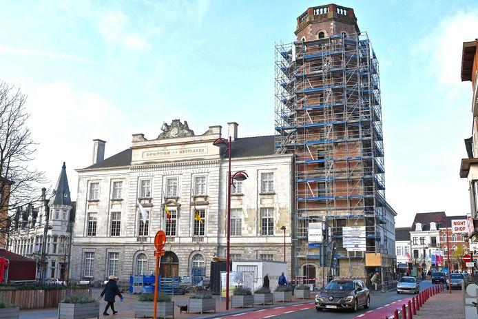 Het belfort stond een paar maanden in de stellingen voor een grondige renovatie.