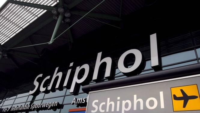 Brand op treinstel in Schiphol onder controle