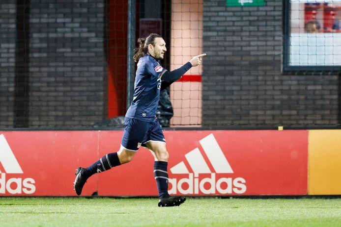 Edgar Barreto viert de enige treffer van NEC, genoeg voor de overwinning bij Jong Ajax.