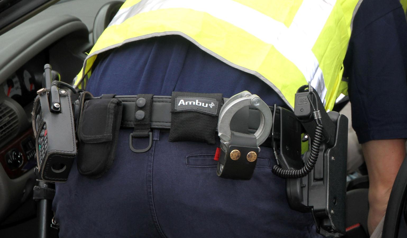 Een volle koppel van een politieagent kan leiden tot blijvende schade aan beknelde zenuwen.