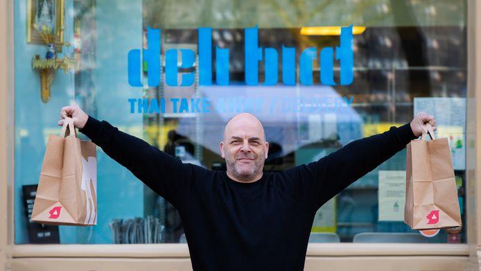 Horecaondernemer Wiland Toelen. Hij is eigenaar van de Deli Bird-vestigingen,  ijssalon Hijs en café De Ouwehoer op  Rotterdam-Katendrecht.