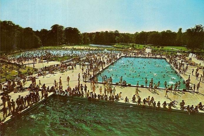 Het openluchtzwembad van Brasschaat