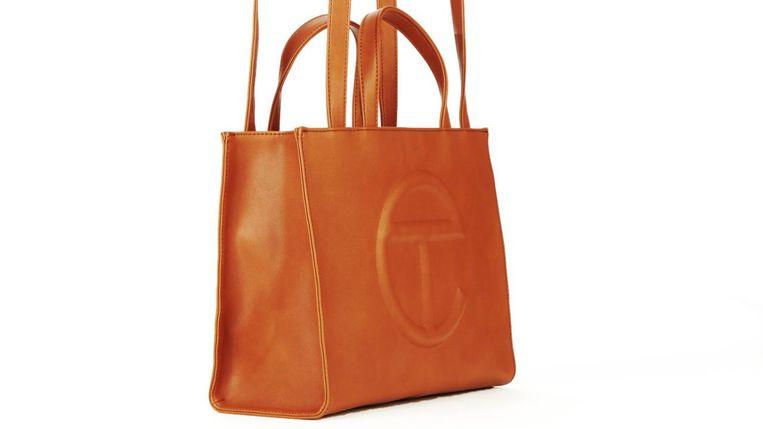 Telfars shopping bag, een enorme hit. Beeld d