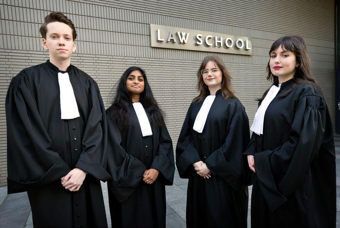 (vlnr)) Oscar van Raak, Janisha Balarajah, Nienke Biemans en Esmee de Koning, rechtenstudenten aan Tilburg Univerity.