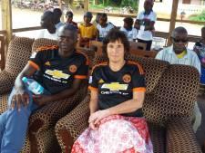 Emmeloordse oud-juf Pieta (61) is een paar weken in Guinee als militairen staatsgreep plegen: 'Geen spijt van vertrek'
