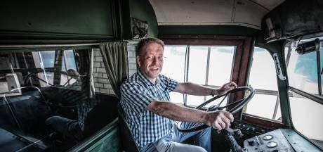 Kijk- en leesboek vol historie over reizen met de bus van de Gelderse Tramwegen