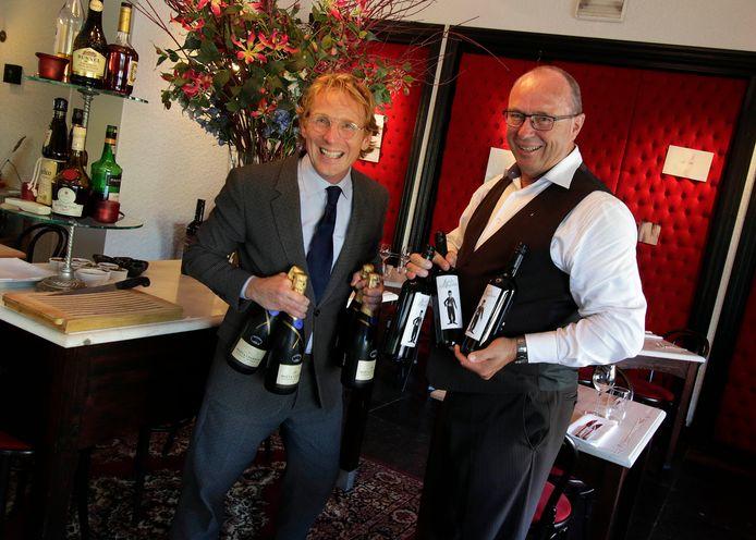 Jan van Paasschen (rechts), het gezicht van restaurant De Zwaan , gaat met pensioen. Het restaurant in Etten-Leur staat in de Lekker Top 100.