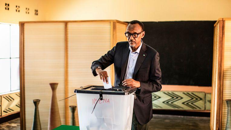 Ook bij de vorige twee verkiezingen behaalde Paul Kagame telkens een score rond de 90%. Hij is al sinds 2000 president. Beeld afp