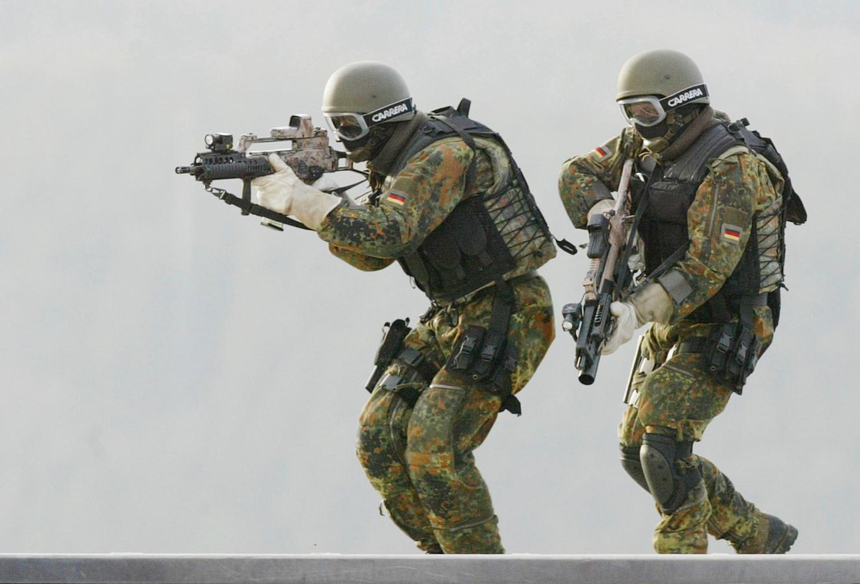 Leden van het KSK tijdens een training in hun opleidingscentrum in Calw, zo'n 40 kilometer ten zuidwesten van Stuttgart (Baden-Württemberg).