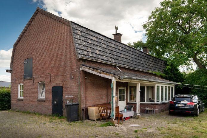 Een woonhuis van een Roemeense werknemer aan de Bosrand,  die hij deelt met andere buitenlandse werknemers.
