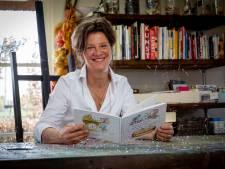 Sandra uit Heerde debuteert met kinderboek: 'Ik hoop  dat die vrolijke muizen beklijven in hoofden van kinderen'