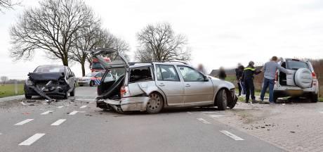 Twee gewonden bij ongeluk op N321 bij Gassel