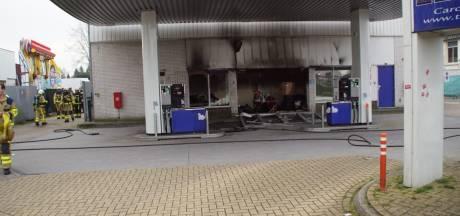 Explosie bij tankstation Neede na brand in gaskachel