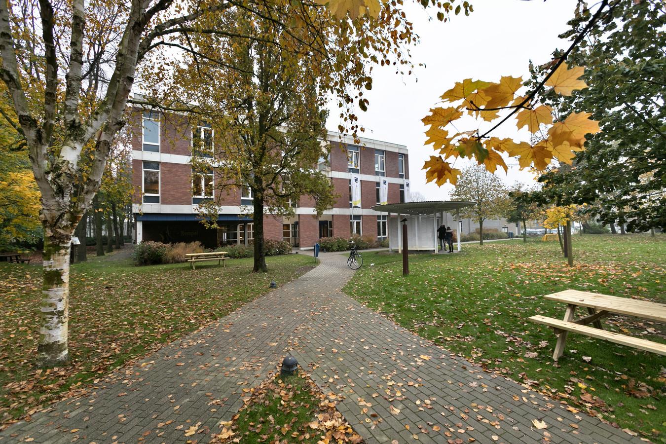 De Kempel, verscholen in het groen aan de Deurneseweg in Helmond.