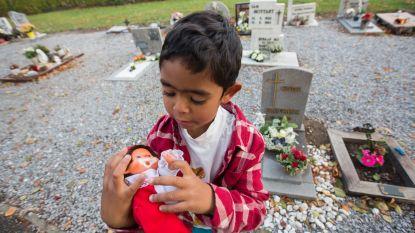 Jongen (5) geeft speelgoed aan 'kindjes in de hemel'