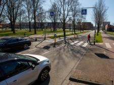 Bewoners Dr. Jan Schoutenlaan Maassluis willen 30 kilometer zone om snelheidsmaniakken aan te pakken