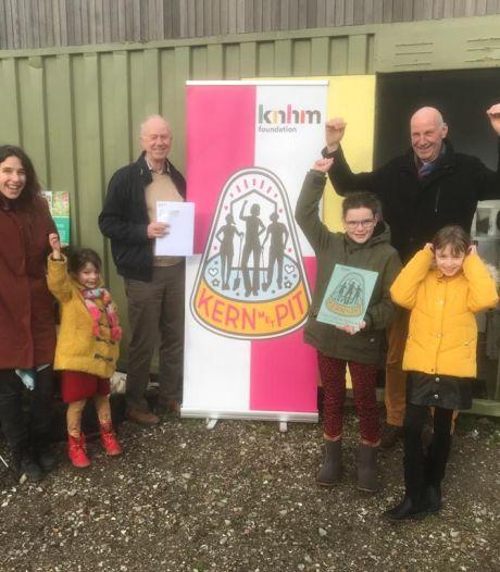 De vlag kan uit: Buurttuin Vrijhoeve wint Kern met Pit-trofee Brabant