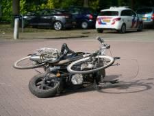 Brommerrijder gewond door ongeluk met fietser vlak bij vaccinatielocatie in Zevenaar