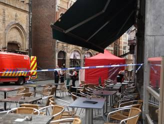 Man overleden na val uit gebouw nabij Oude Markt