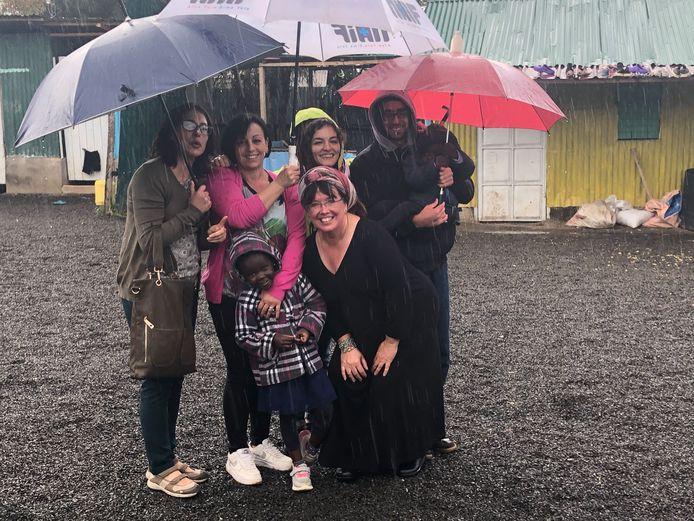 Na anderhalf jaar zette Loes Randazzo (61) zes weken geleden weer voet op Keniaanse bodem