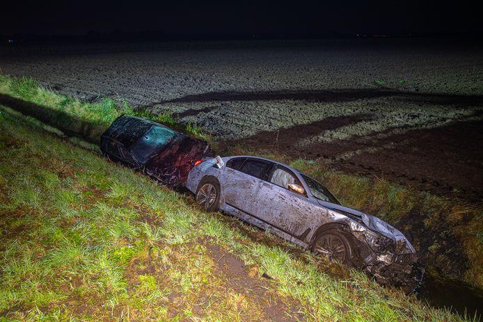 De zwaar beschadigde auto's na het ongeluk in 2019.