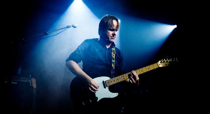 René Bubberman was een bevlogen gitarist. Hij heeft in een aantal bands gespeeld. ,,Als het publiek losging ontspoorde hij met zijn gitaar, op een positieve manier.''