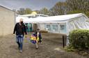 De Molen Hey in Schijndel plaatste donderdag een partytent voor kinderen die in coronatijd voor zwemlessen komen.
