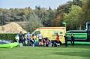 Ziekenwagen aanwezig na incident met springkussen in Esbeek
