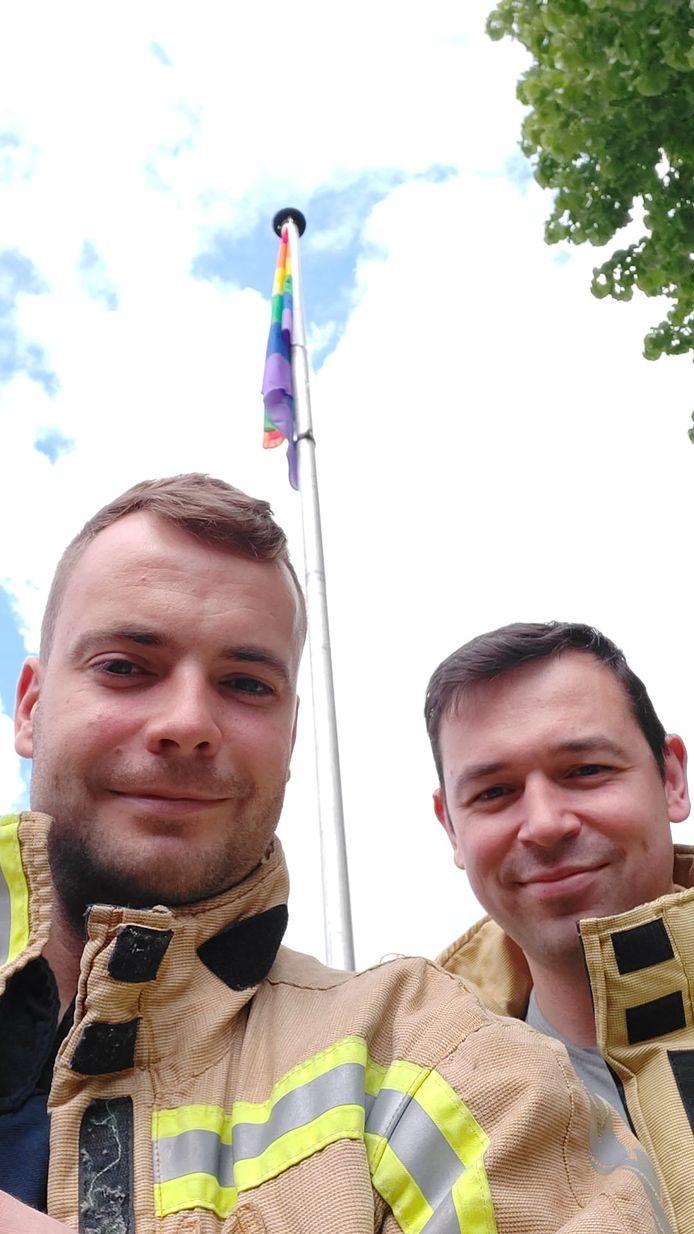 NIJLEN - Brandweerzone Rivierenland laat regenboogvlaggen wapperen aan kazernes