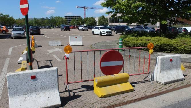 """Nieuwe verkeerscirculatie op parking Sportpark: """"Aparte inrit en uitrit voor meer veiligheid"""""""