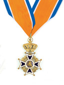 Onderscheiding Grootofficier in de Orde van Oranje-Nassau.