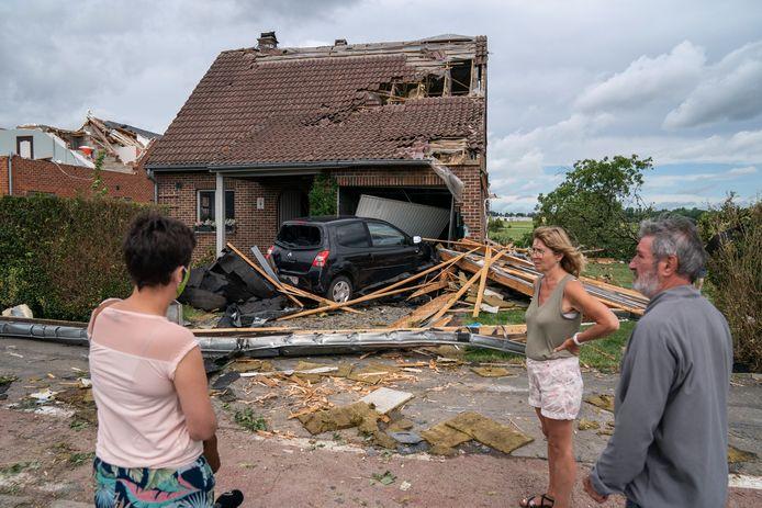 Beauraing is getroffen door een hevige storm. De gemeente Malle, die zelf in juni 1967 slachtoffer is geweest van een tornado, heeft 2.000 euro geschonken aan de Waalse gemeente