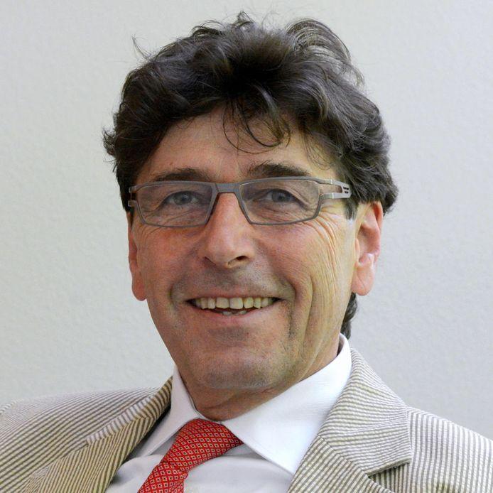Rector Huub van der Linden van het Maurick College