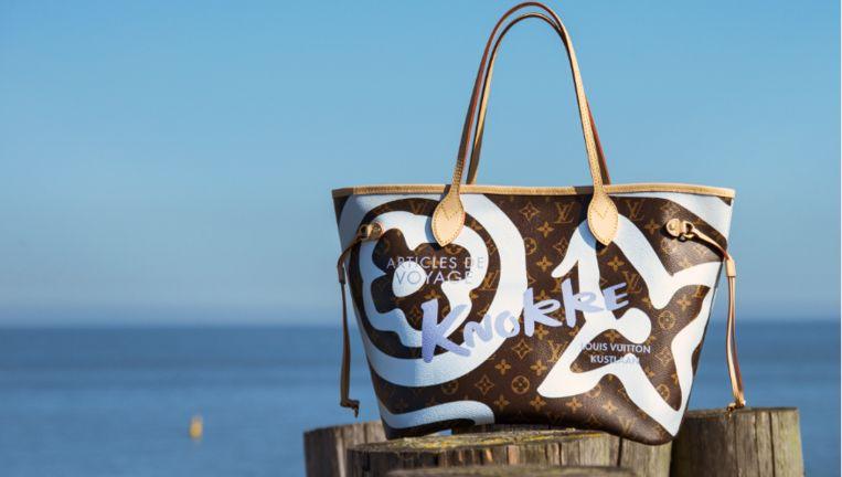 09f8e9d47cd NINA tipt: ode aan Knokke, de Neverfull-tas van Louis Vuitton ...