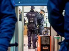 Duitsland legt groot ondergronds bankierssysteem plat, ook huiszoekingen in Nederland