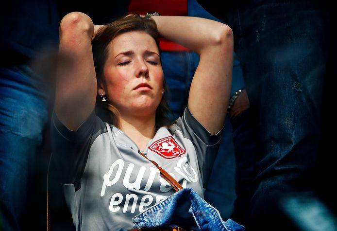 De fans van FC Twente kunnen het nog nauwelijks bevatten, maar hun club is gedegradeerd uit de Eredivisie.