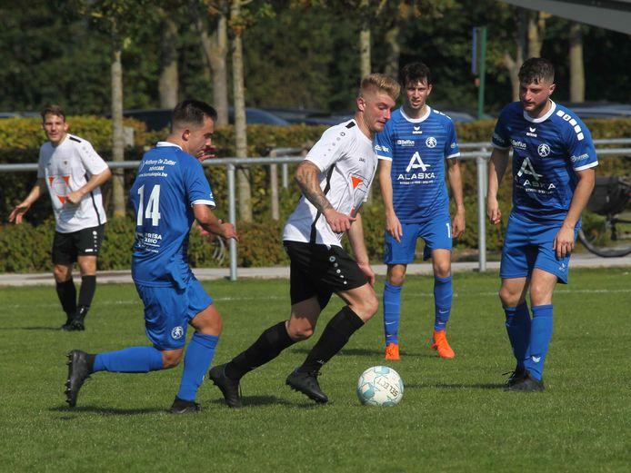 SV Jabbeke begon aan het seizoen met een 2-0-zege tegen Bredene.