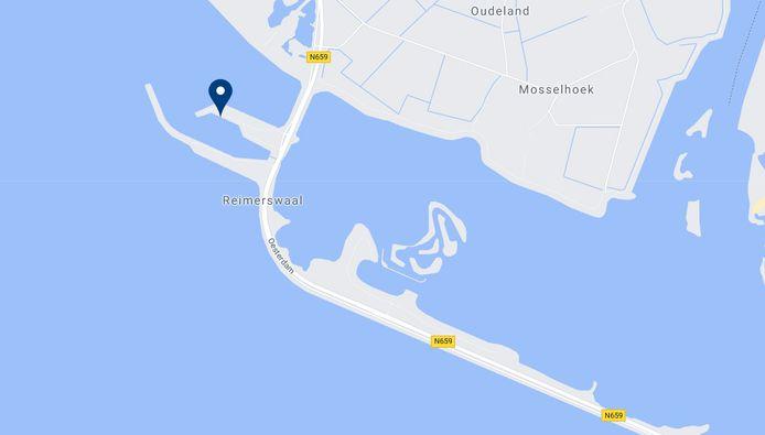 De dode man werd gevonden bij een steiger langs de Oesterdam.