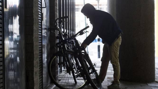 Fietsendief loopt tegen de lamp: 21 gestolen fietsen teruggevonden