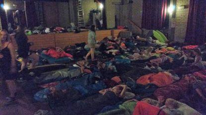 Stofhoos doet tenten wegwaaien: 120 Chiromeisjes uit Overijse geëvacueerd van kampplaats in Westouter