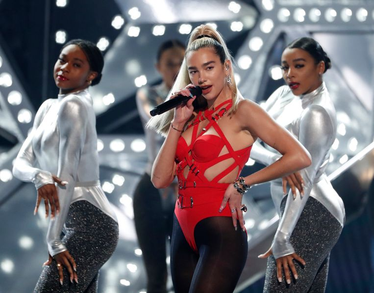 Dua Lipa tijdens de American Music Awards in 2019 Beeld REUTERS