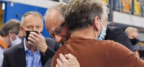 Zelfs bij volleybalcoach Redbad Strikwerda stromen de tranen na een bewogen en bijzonder jaar met Dynamo