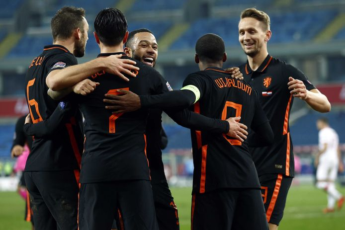 Door de winst op Polen gisteravond sluit Oranje en bewogen kalender jaar positief af.